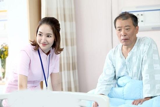 Du học Nhật Bản chọn ngành điều dưỡng viên